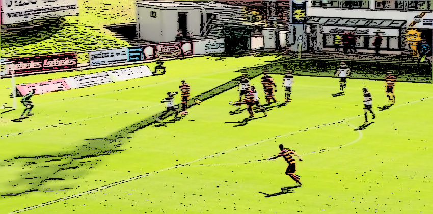 Aberdeen defending their area at Firhill